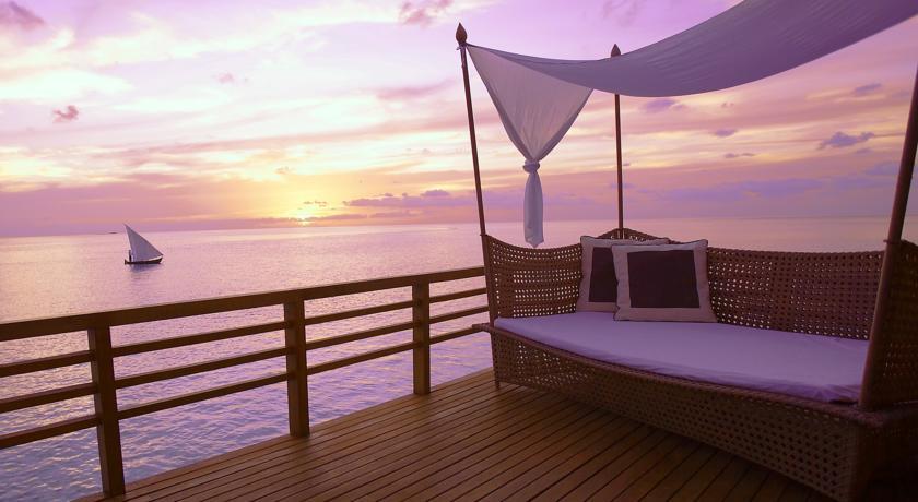Honeymoon-Flitterwochen-Hochzeitsreise-baros-maldives_3
