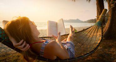 Literarische Reise – 97 Prozent der Deutschen lesen im Urlaub