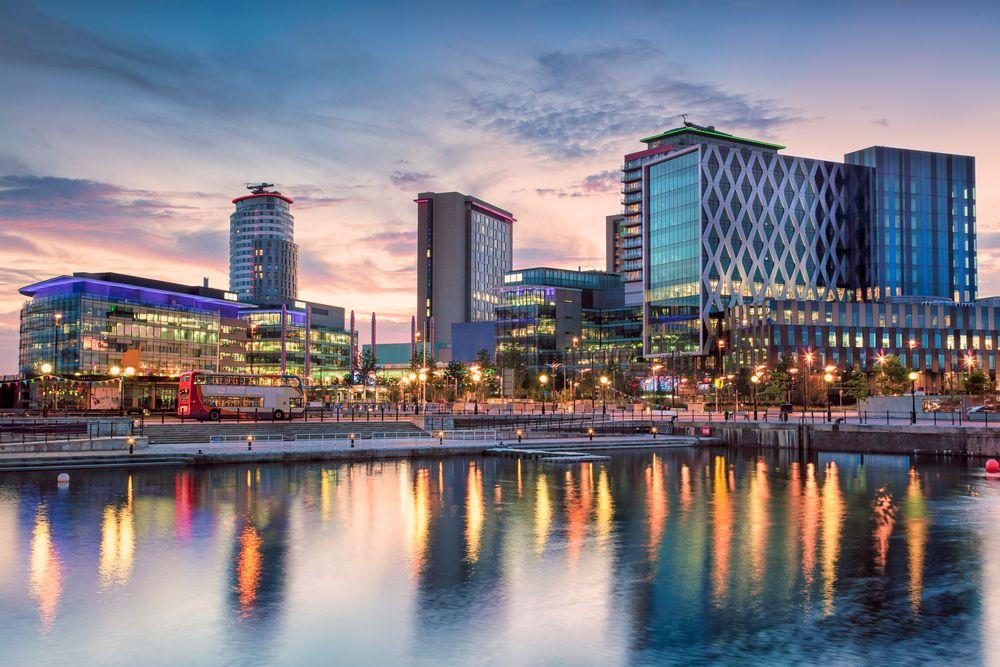 Schöne-Städte-Europa-Manchester-Media-City-Salford-Quays