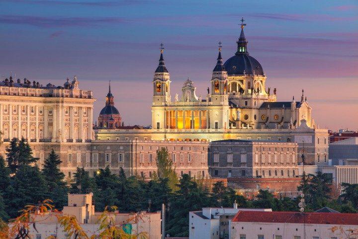 Reisetipps für einen Mädels-Trip nach Madrid, Almudena Kathedrale