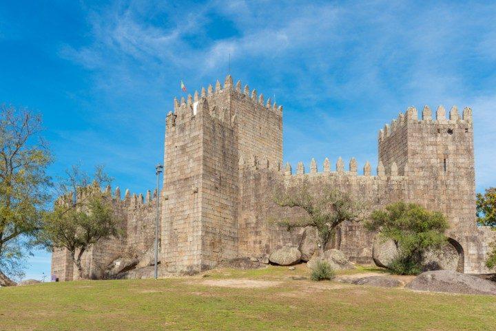 portugal, guimaraes, castelo de guimaraes