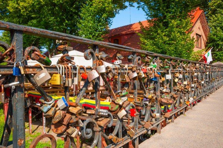 Vilnius im Frühling, Uzupiz Brücke