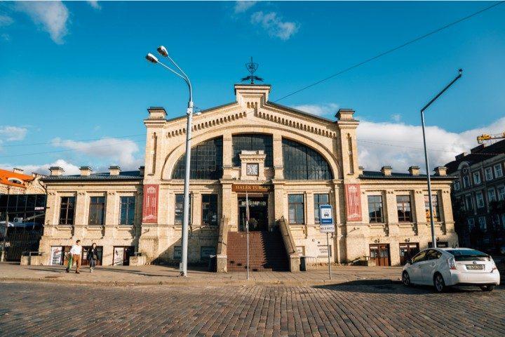 Vilnius im Frühling, Markthalle, Hales Turgus