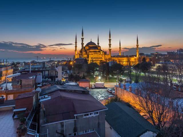 wann sind flüge von frankfurt nach istanbul am günstigsten